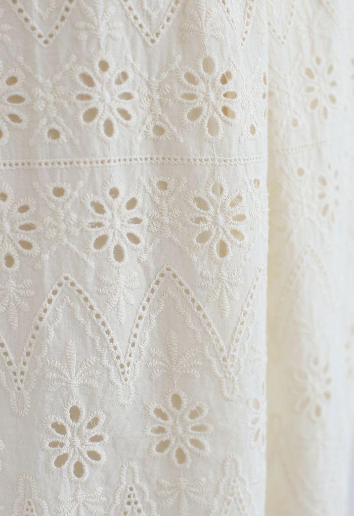 アイレット刺繍フリルブラウス ライトイエロー