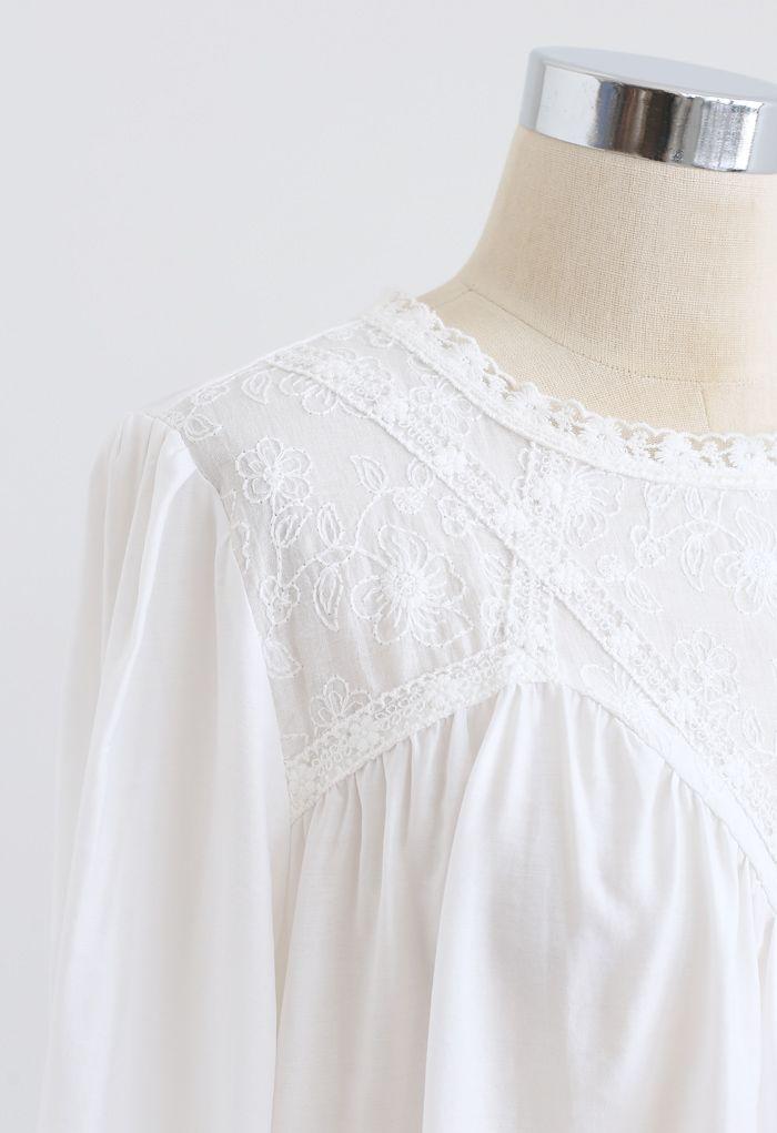 花柄刺繍トップス ホワイト